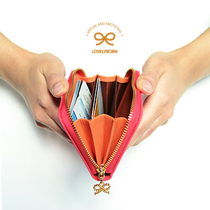 ribbon around wallet